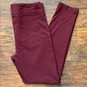 Junior's 9/10 Maroon Stretch Pants